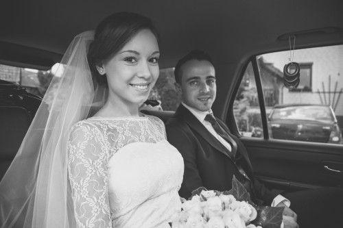 Hochzeitsfotograf Hannover | Hochzeitspaar im Auto